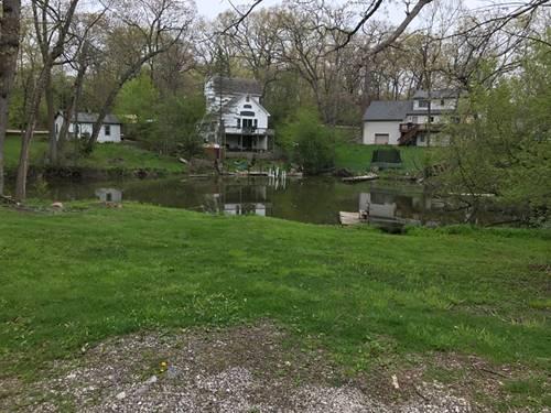 27588 W Ashland, Spring Grove, IL 60081