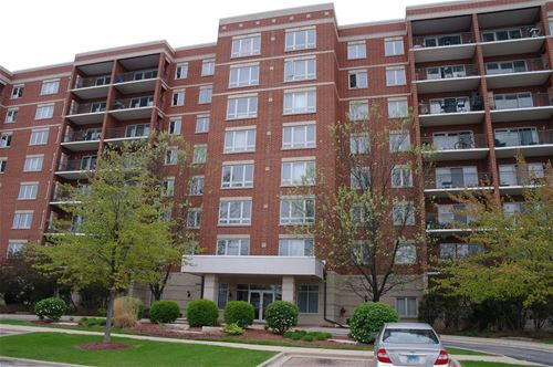 5555 N Cumberland Unit 405, Chicago, IL 60656 O'Hare