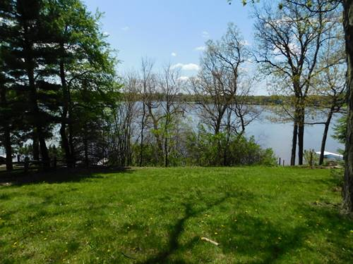 385 Holiday, Lake Holiday, IL 60552