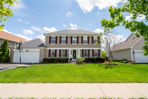 1122 Winding Glen, Carol Stream, IL 60188