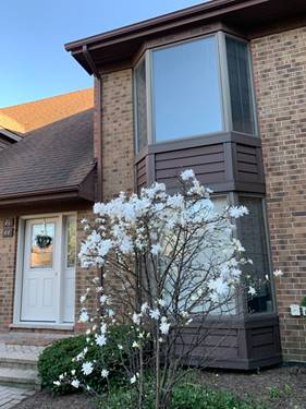 44 Kings Unit 44, Westchester, IL 60154