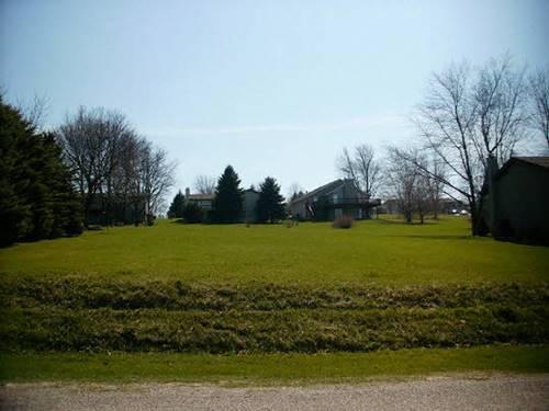 82 Delburne, Lake Summerset, IL 61019