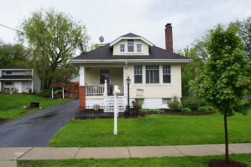 702 Hillview, West Chicago, IL 60185