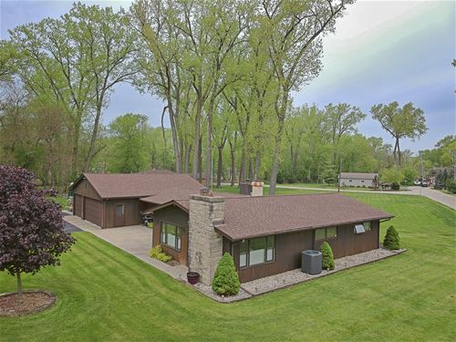 1206 Whippoorwill, Crystal Lake, IL 60014