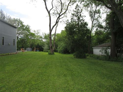 1069 S Fairfield, Lombard, IL 60148