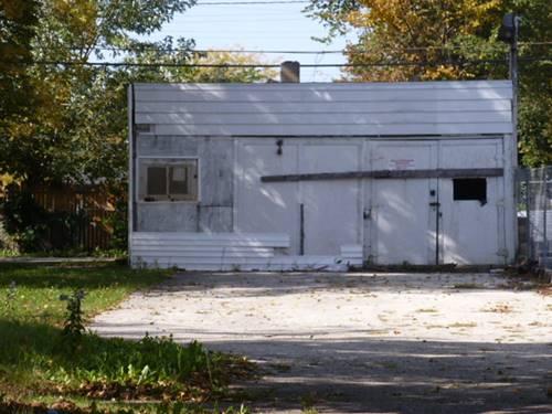 828 S Jackson, Waukegan, IL 60085