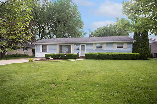 511 Indianwood, Carol Stream, IL 60188