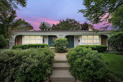 606 Carriage Hill, Glenview, IL 60025