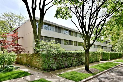300 N Maple Unit 16, Oak Park, IL 60302