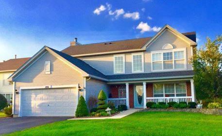 894 Pembrook, Bolingbrook, IL 60440