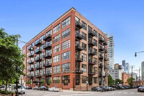 525 W Superior Unit 227, Chicago, IL 60654 River North