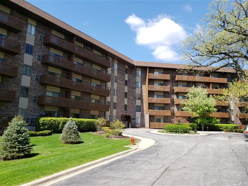 120 Lakeview Unit 401, Bloomingdale, IL 60108