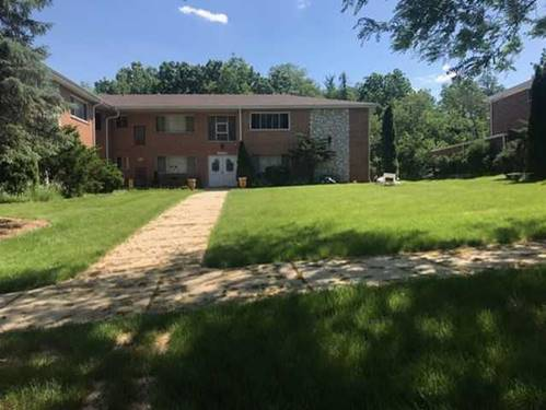 29 W Walnut Unit 7, Roselle, IL 60172