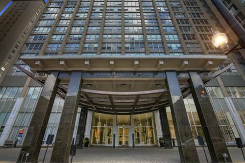 655 W Irving Park Unit 5016, Chicago, IL 60613 Lakeview