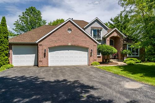 2302 Cairnwell, Belvidere, IL 61008