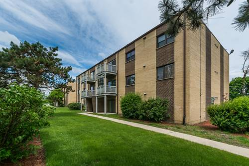668 Pinecrest Unit 302, Prospect Heights, IL 60070
