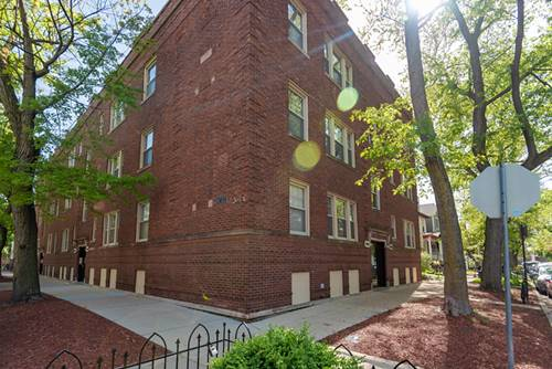 1901 W Newport Unit 3, Chicago, IL 60657 Roscoe Village