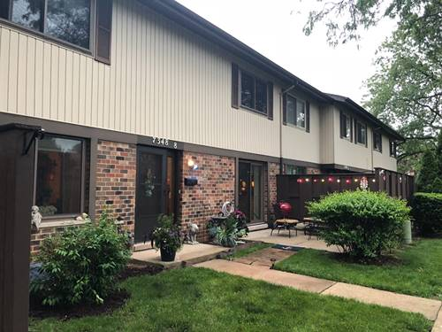 7348 Winthrop Unit 8, Downers Grove, IL 60516