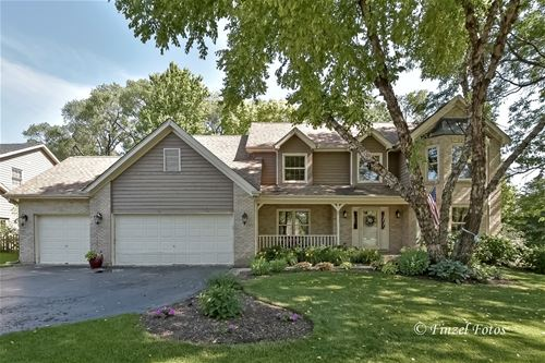 640 Silver Berry, Crystal Lake, IL 60014