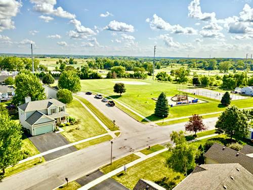 330 Prairie Ridge, Woodstock, IL 60098