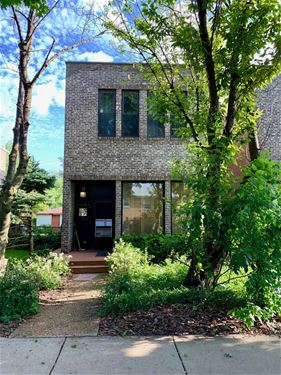 3052 W Hood, Chicago, IL 60659 West Ridge