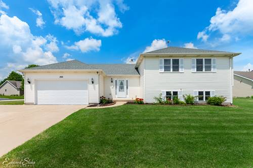 300 Clover Chase, Woodstock, IL 60098
