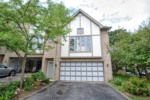 22 Cliffside Circle, Willow Springs, IL 60480