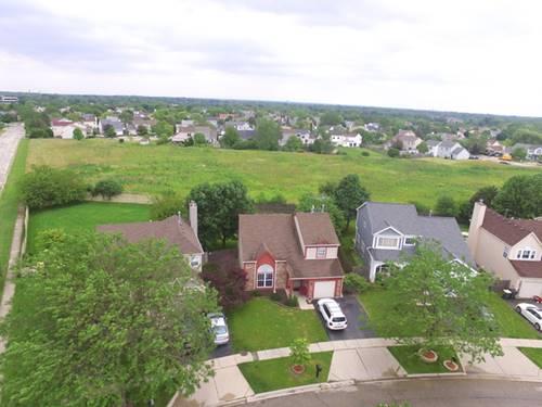 231 Pinehurst, Mundelein, IL 60060