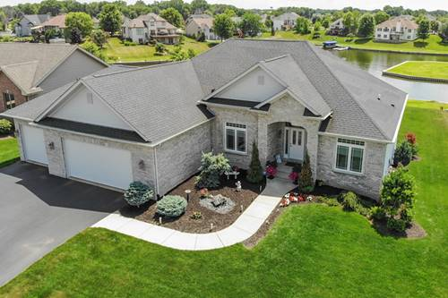 1237 Summerland Ky, Machesney Park, IL 61103