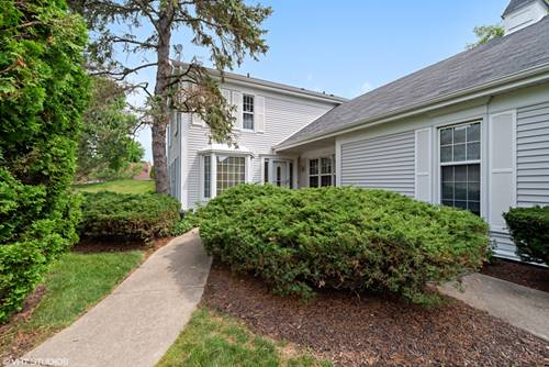 4 The Court Of Hidden Wells, Northbrook, IL 60062