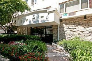 426 W Barry Unit 205, Chicago, IL 60657 Lakeview