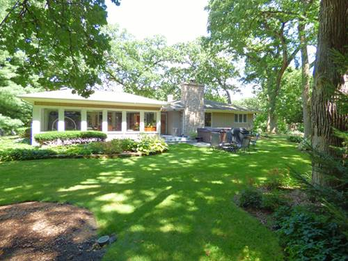 2201 Country Knoll, Elgin, IL 60123