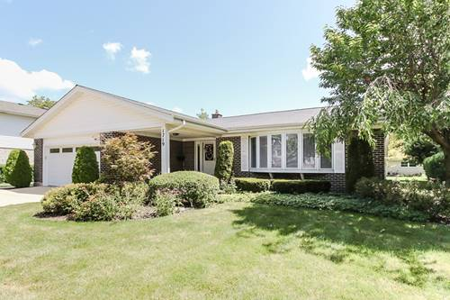 1719 N Dover, Arlington Heights, IL 60004