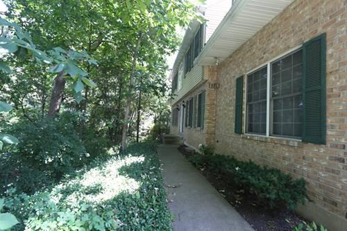 1321 Laurel Oaks, Streamwood, IL 60107