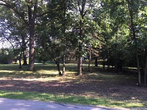 701 E Hickory, Addison, IL 60101
