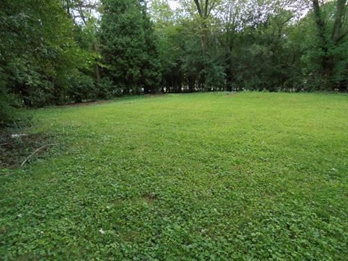 1N181 Woods, Wheaton, IL 60188