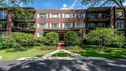 90 Franklin Unit 203, Lake Forest, IL 60045