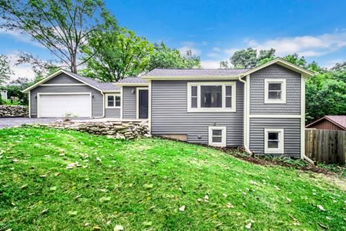 9 Hickory, Oakwood Hills, IL 60013