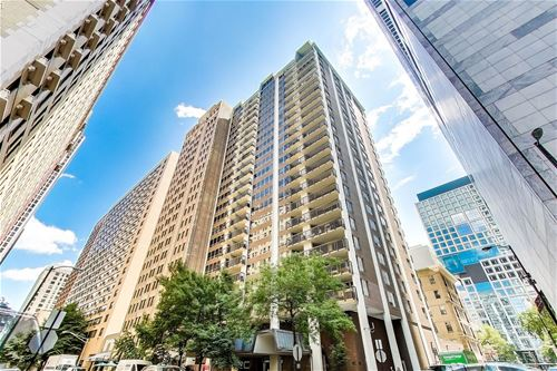 201 E Chestnut Unit 18F, Chicago, IL 60611 Streeterville