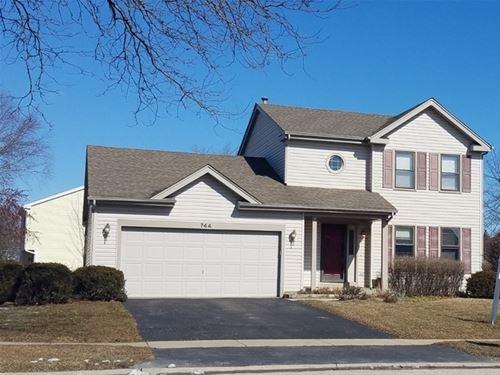 744 Cimarron, Cary, IL 60013
