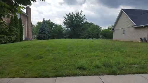 119 Hidden View, Westmont, IL 60559