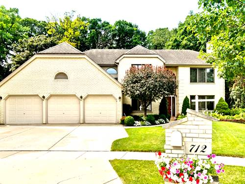 712 Catino, Roselle, IL 60172