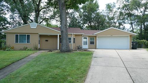 31 Sparrow, Carpentersville, IL 60110