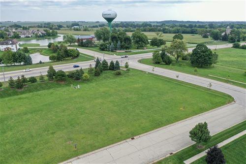 105 Merry Oaks, Sycamore, IL 60178