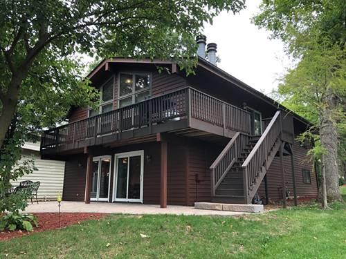 310 Lake Shore, Lindenhurst, IL 60046