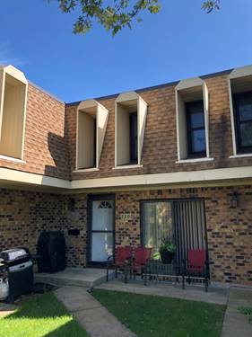 2200 Country Club Unit 4G, Woodridge, IL 60517