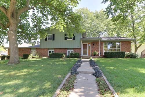 102 S Devonshire, Bloomington, IL 61704