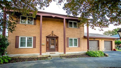 821 N Mill, Addison, IL 60101
