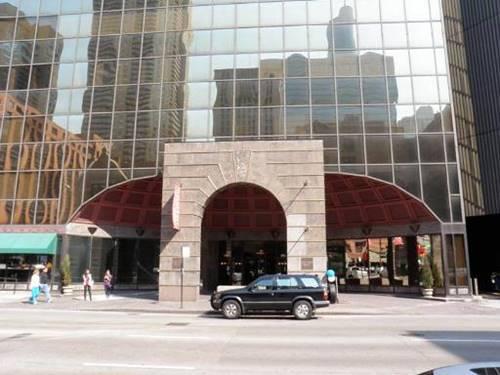 10 E Ontario Unit 3307, Chicago, IL 60611 River North