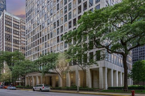260 E Chestnut Unit 1907, Chicago, IL 60611 Streeterville